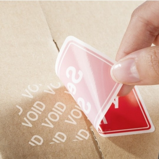 Időjárásálló, öntapadós biztonsági lezáró címke